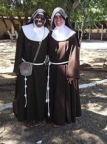 Do Novice Nuns Wear Rings