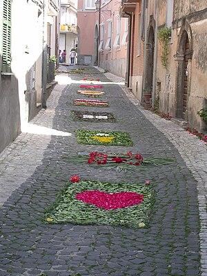 Itri - Infiorata on Via Della Repubblica.