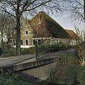 Ingangshek naar boerderij met uitgebouwde koestal - Stompetoren - 20397453 - RCE.jpg