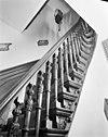 interieur. gebeeldhouwde trapleuning - arnhem - 20025232 - rce