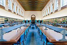 Interieur van de belangrijkste leeszaal