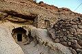 Irni063-W wiosce Meymand.jpg