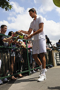 Ivo Karlović at the 2009 Wimbledon Championships 01.jpg