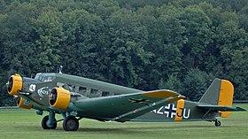 Un Junkers Ju 52 au sol