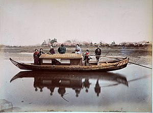 1582 Cagayan battles - Japanese sampan-like river boat. Dating from before 1886 are relatively flat bottomed Chinese wooden boat.