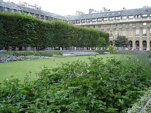 Jardin du Palais-Royal, 18 July 2005 01