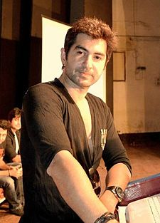 Jeet (actor bengali) crop.jpg