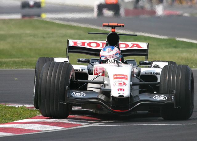 http://upload.wikimedia.org/wikipedia/commons/thumb/a/ab/Jenson_Button_2005_Canada_2.jpg/640px-Jenson_Button_2005_Canada_2.jpg