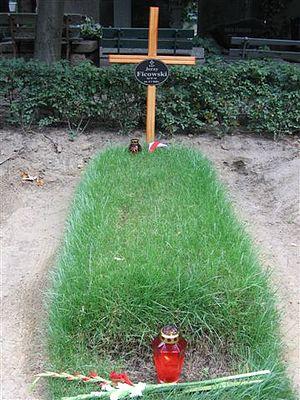 2006 in poetry - Jerzy Ficowski's grave, Warsaw
