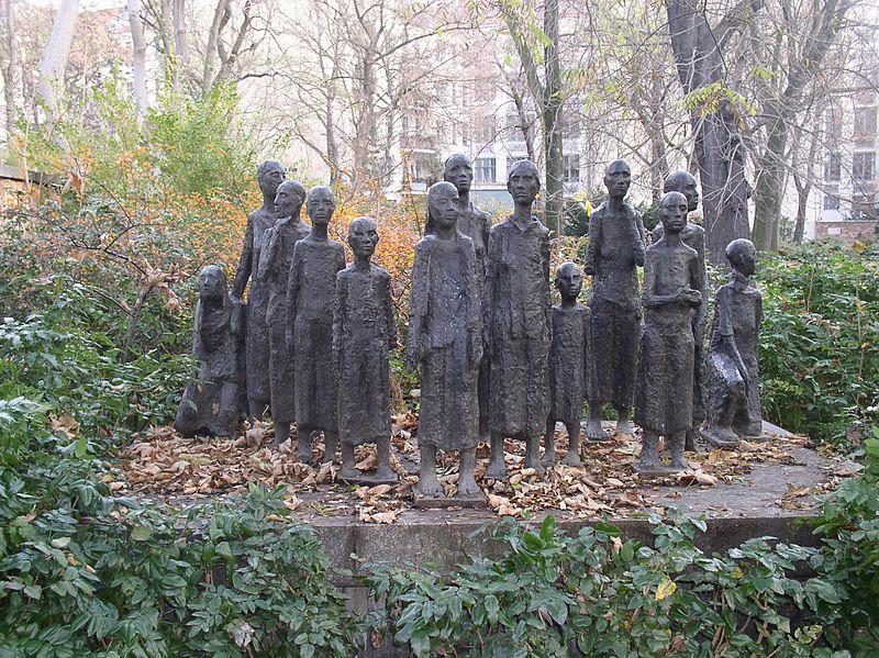800px Juedischer Friedhof Berlin mitte AT: Wien: Kirchen gedachten der Opfer der Novemberpogrome 1938