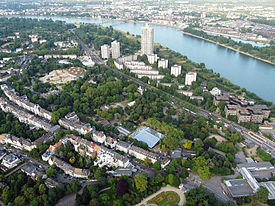 Kölner Zoo (Flight over Cologne).jpg