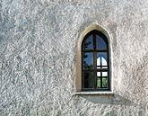 Fil:Kalla gamla kyrka window.jpg
