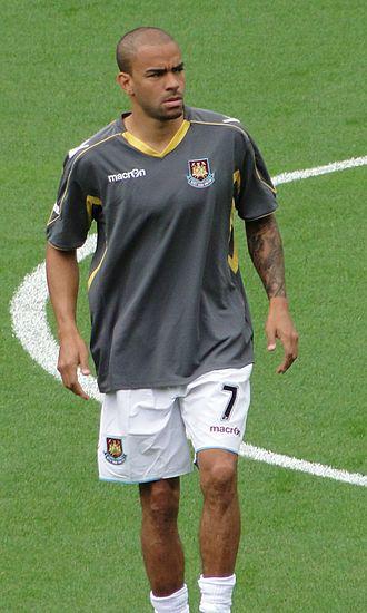2001–02 Newcastle United F.C. season - Image: Keiron Dyer WHU21082010