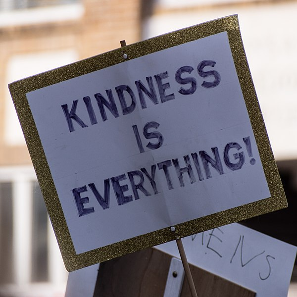 File:Kindness is everything! -WomensMarch -WomensMarch2018 -SenecaFalls -NY (24937353927).jpg
