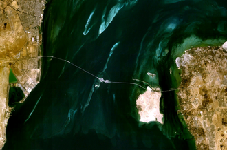 The King Fahd Causeway as seen from space King Fahd causeway satellite.png