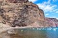 Klippen am Strand Playa De Vueltas auf La Gomera, Spanien (48293844057).jpg