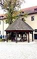 Kraków, studnia w opactwie benedyktynów w Tyńcu.jpg