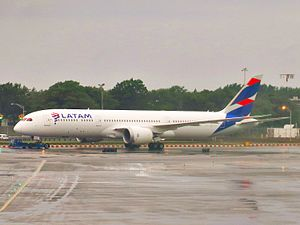 LATAM Airlines Group - A LATAM Chile Boeing 787-9 Dreamliner at John F. Kennedy International Airport in July 2016.