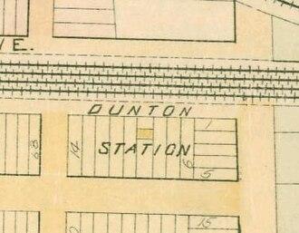 Dunton station - Dunton station on an 1891 map, halfway between 134th Street and Van Wyck Avenue