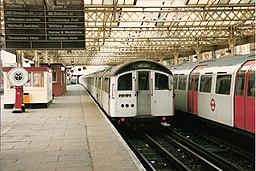 LT Bakerloo Line train, Queens Park, 1986 87