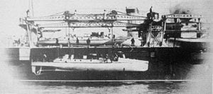 Torpedo boat tender - Image: La Foudre tending torpedo boats bf 1923