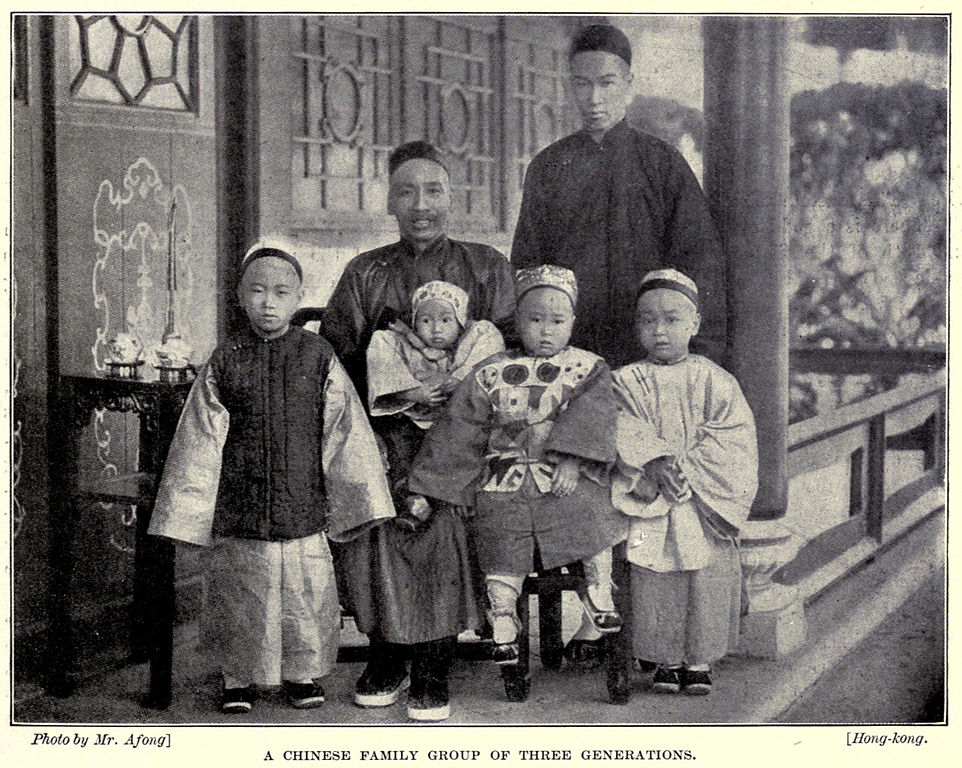 File:Lai-Afong, A Chinese Family Group of Three Generations.jpg ...