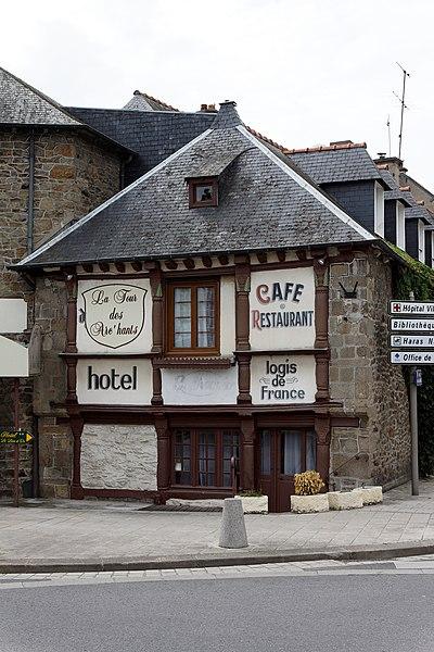 Une maison - 2 rue du docteur Lavergne à Lamballe (Côte d'Armor)