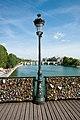 Lampe pont-des-arts jms.jpg