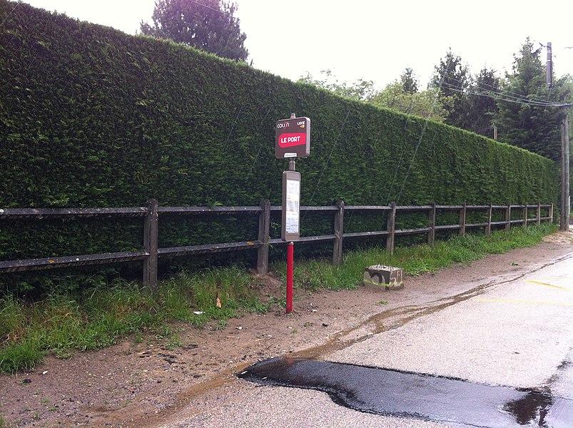 Le port (Colibri bus stop).
