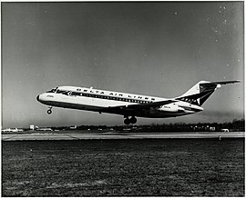 Left side view of Delta Air Lines Douglas DC-9 (N3304L) taking off.jpg