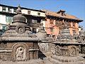 Lenvironnement du Stupa de Swayambhunath (8436396374).jpg