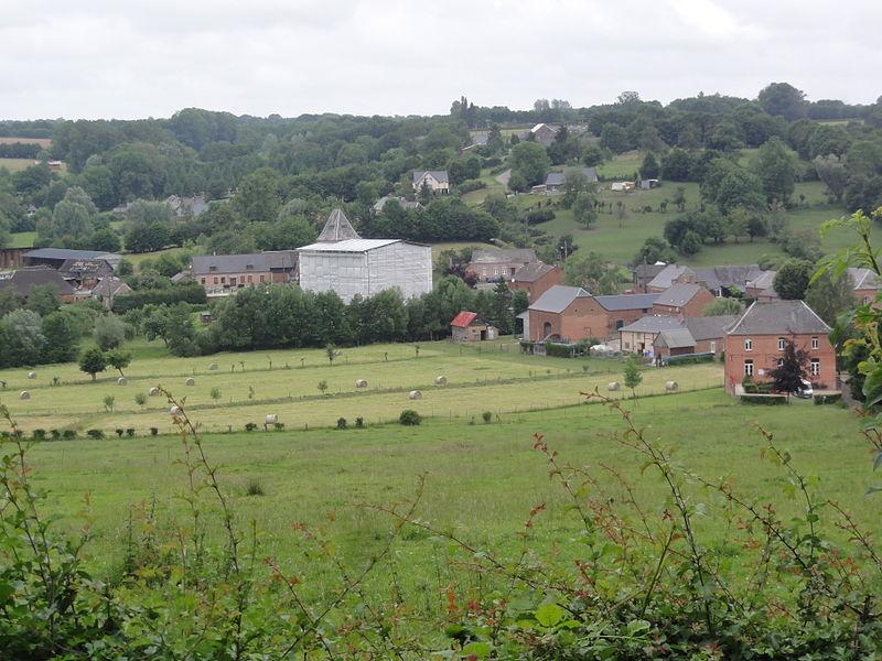 Lerzy (Aisne) vue du village en 2014 (avec église brulée)