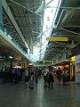 Lisbon airport - panoramio.jpg