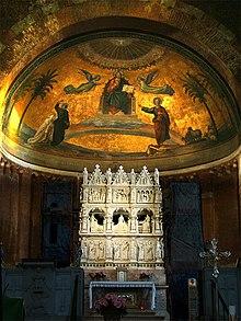 Tumba de Agostinho na Basílica de São Pedro em céu de ouro em Pávia.