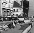 Március 15. tér, szemben a Galamb utca és Piarista (Pesti Barnabás) utca sarka. Fortepan 10885.jpg