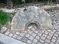 Mühlstein bei der Scheermühle Reinholdshain.jpg