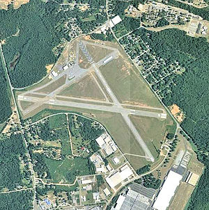 Macon Downtown Airport - 2006 USGS airphoto