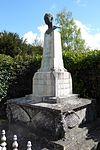 Maillebois buste Hubert Latham Eure-et-Loir (France).jpg