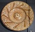 Maiolica ispano-moresca, piatto a lustro, manises, xvi secolo.jpg