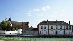 Mairie église canal 06052.JPG