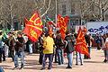 Manif EPR Lyon Bellecour drapeaux LCR.jpg