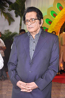 Manoj Kumar at Esha Deol's wedding at ISCKON temple 10.jpg