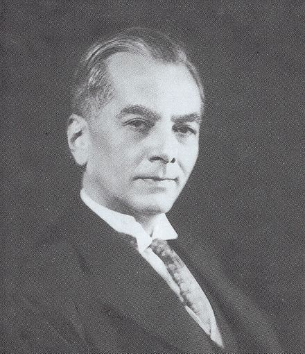 President Manuel Luis Quezon of the Philippines Manuel L. Quezon portrait.jpg