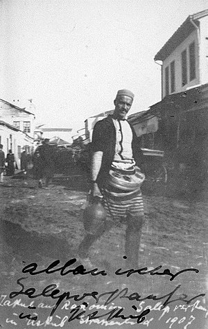 Salep - An Albanian salep merchant in Ottoman Üsküp (modern Skopje), 1907.