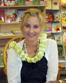 A 2009 photograph of Maureen McCormick.