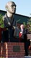 Max Schmeling Denkmal Uwe Seeler.jpg