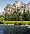 Merced River (Yosemite Valley, Sierra Nevada Mountains, California, USA) 3 (19847384318).jpg