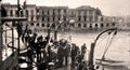 Messina davanti alle rovine dell'Hotel Trinacria, Placido Campolo (Messina, 1693 – Messina, 1743) Bitto & Asciak.png