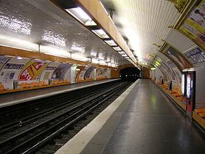 Saint-Philippe du Roule (Paris Métro) - Image: Metro 9 Saint Philippe du Roule