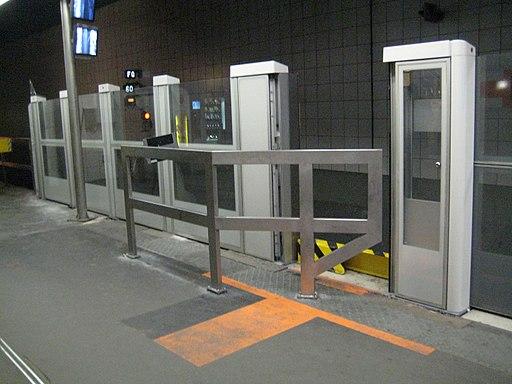 Metro L1 Grande-Arche IMG 6582